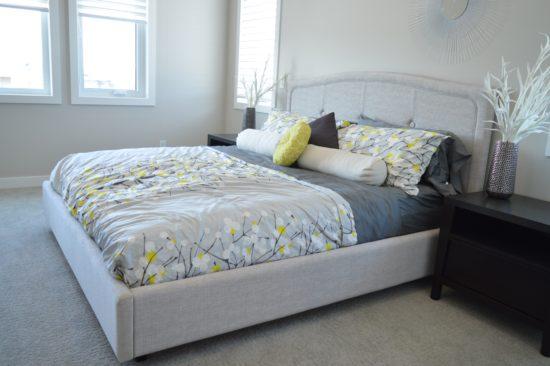 koupit postel